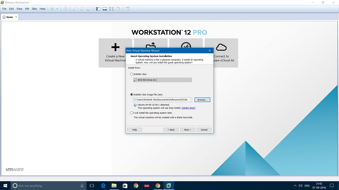 VMware Workstation 12 Pro- Install Ubuntu Desktop 16.04 - Installer disk image file dialog box screenshot.